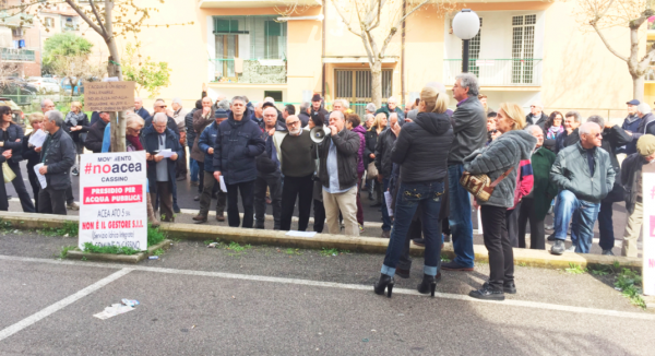 Il sit-in no acea
