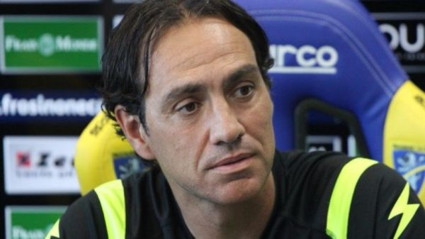 Nesta in conferenza (foto Frosinonecalcio.com)